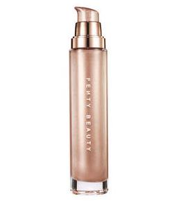 Truco de belleza para piel luminosa con maquillaje de Huda Kattan. Producto iluminador dorado Huda Beauty Aphrodite.