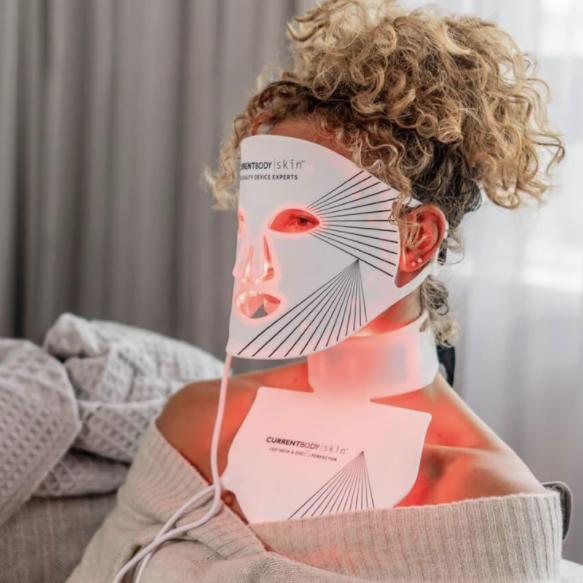 Máscara led facial: opiniones, experiencia, contraindicaciones, beneficios antiedad para la piel. Antes y después. Currentbody Skin + Accesorio para cuello y escote